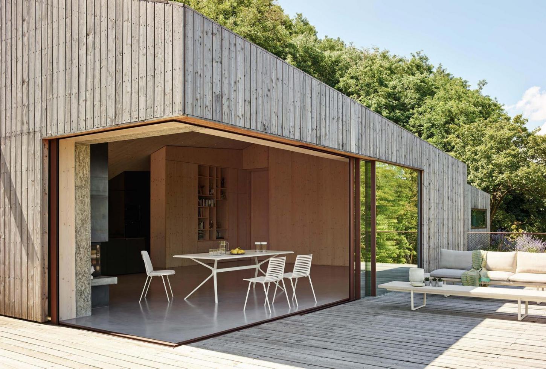 Laissez-vous surprendre par notre large gamme de meubles de jardin design.