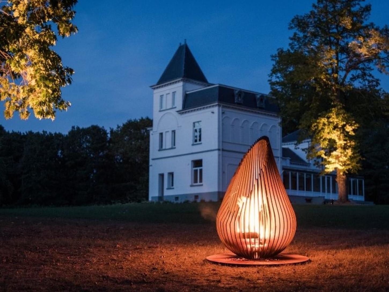 La mission de Glowbus est de relier les épicuriens et les amateurs de valeurs aux mondes du feu et d'en faire une expérience unique et inégalée.