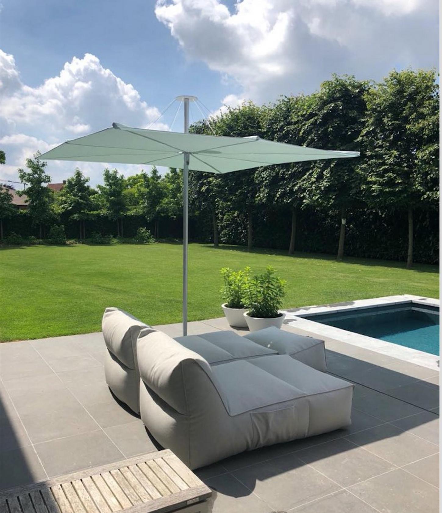 Met Umbrosa kies je voor state of the art parasols tegen een betaalbare prijs.