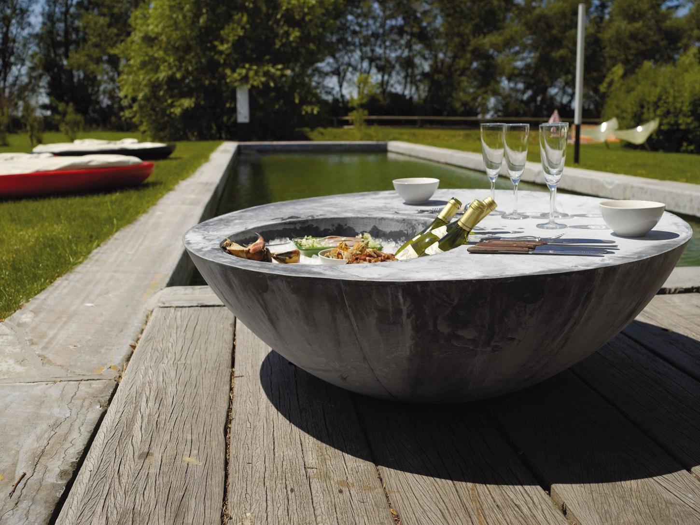 Domani staan garant voor een blikvangerseffect op iedere tafel of terrassteen.
